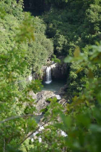 Wanderung an den Wasserfall mit Badespass